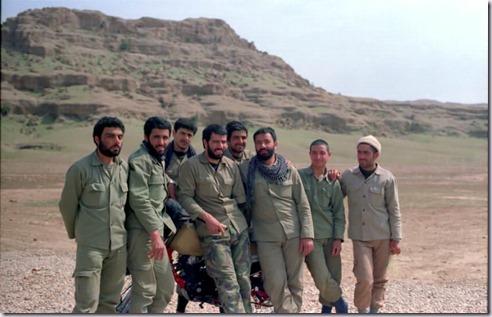 ز راست به چپ: سید موسوی، شهید خانی٬ حاج محمود امینی٬ ؟٬ شهید اسدالله پازوکی٬ جلال ده بزرگی، شهید نصرت الله موسوی، پازوکی